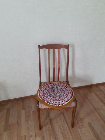 Продам деревянные стулья