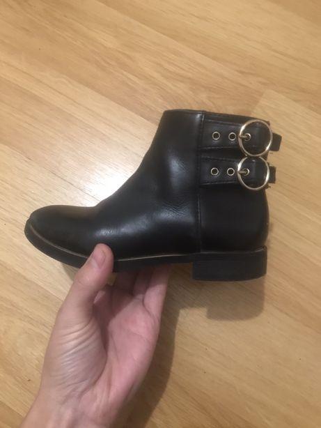 Продам ботиночки  сапоги сапожки ботинки Zara осень весна на девочку