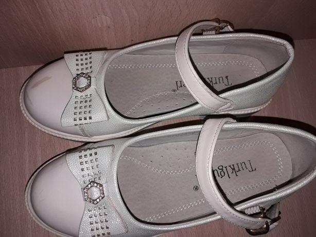 Туфельки для девочки 31 р
