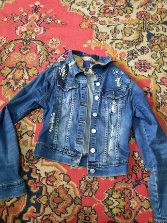 Продам джинсовки,  пальто
