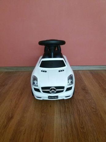 Vând mașină pentru copii Mercedes alb