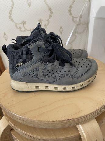 Продам ботинки ЕССО на мальчика