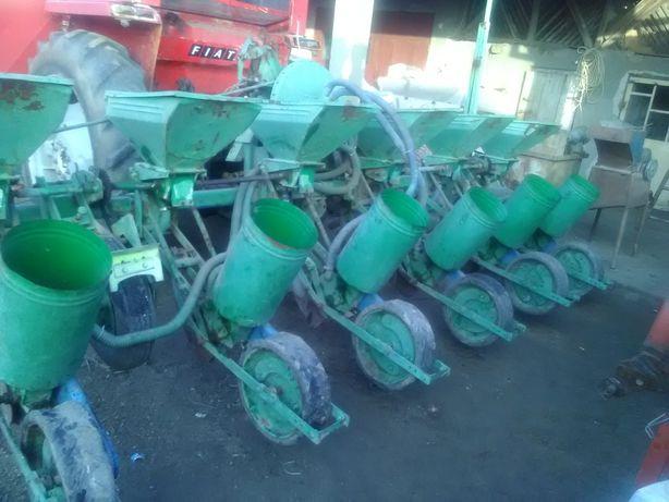 Semanatoare 6 randuri cu fertilizare si cultivator