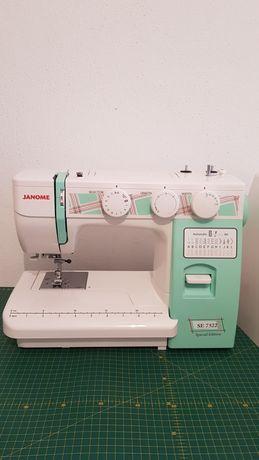 Электромеханическая швейная машинка Janome SE 7522