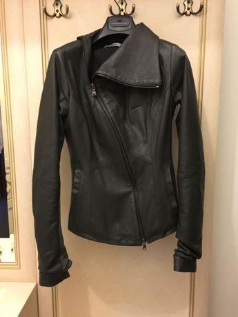 Продаю стильную кожаную куртку, Италия