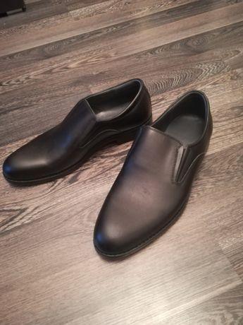 Туфли новые размер 42