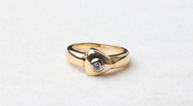 Кольцо с бриллиантом , золото 750 Россия, вес 5.37 г. «Ломбард Белый»