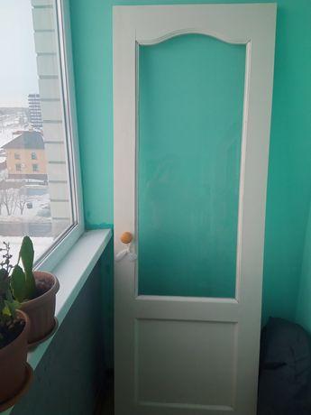 Продам деревянную межкомнатную дверь