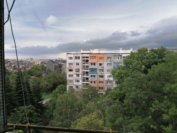 Три отделни стаи в близост до Първа езикова - Павлов