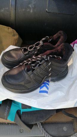 Обувь чёрного цвета