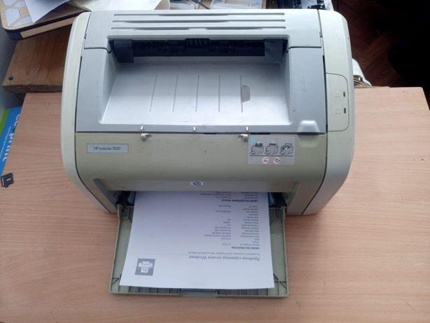 Продам принтер hp1020