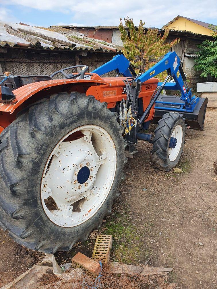 Tractoras fiat 55 c.p