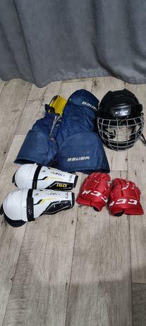 Хоккейные трусы, краги, шлем и наколенники
