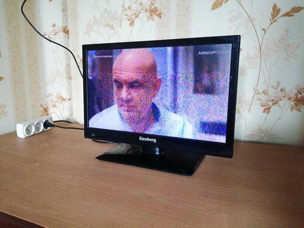 маленький ЖК телевизор / 19 дюймов / HDMI / VGA / AV / TV (+монитор)