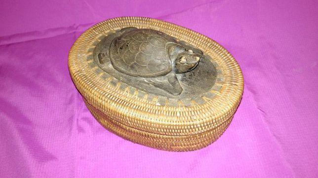 Vand cutie de bijuterii veche africana cu broasca testoasa sculptata