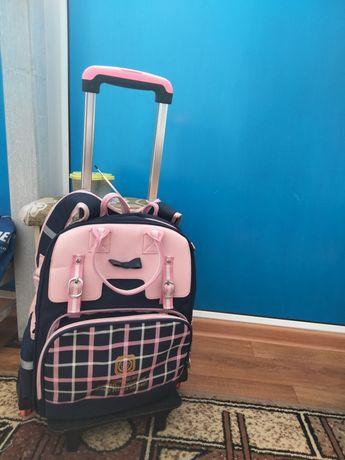 Школьный рюкзак (ранец)