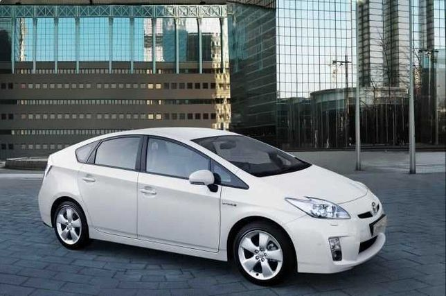 Inchirieri auto masina Rent a Car Toyota Prius Automata Hybrida