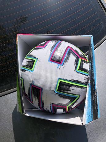 Adidas uniforia футбольный мяч оригинал