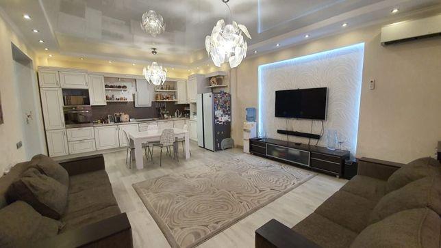4-комнатная квартира, 130 м², 2/14 этаж, Навои 74 — Токтабаева