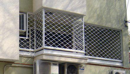 Охранителни Решетки за тераси и прозорци