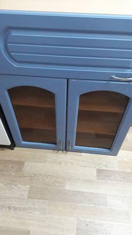 Продам холодильник, шкаф для кухни и электрическая плита