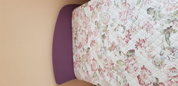 Продавам детско легло с подматрачна рамка