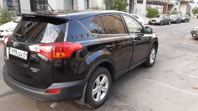 Toyota Rav 4 2013 года