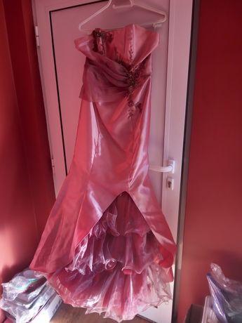 Бална рокля цена 35лв