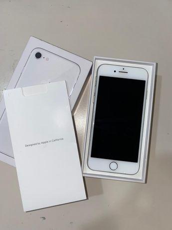 Vand Iphone 8