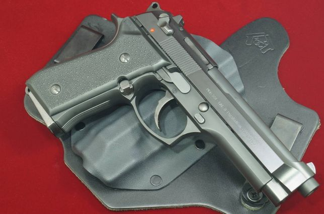 PISTOL Beretta/Taurus METAL Modificat 4.1Jouli Aer Comprimat Airsoft
