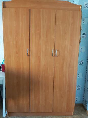 Продам шкаф с плательным
