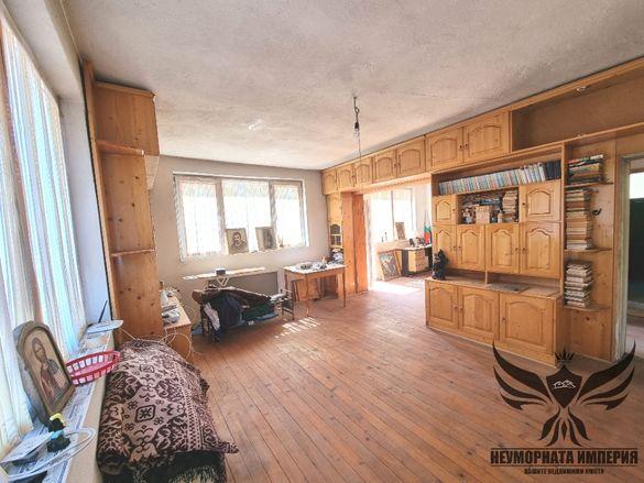 Продавам етаж от къща 125кв.м. ет.3 гр.Чепеларе обл.Смолян