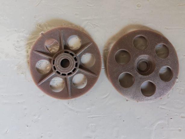 Пресформа на термопластавтомат, рондоль, крепеж для утеплителей.