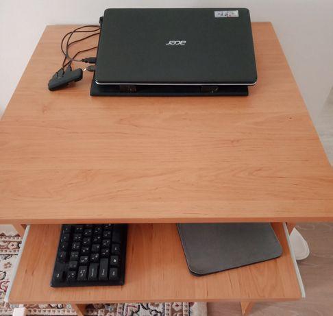 Срочно продаю компьютерный стол