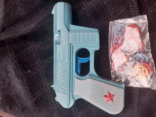 Игрушка пистолет с пулями ссср