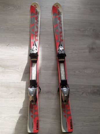 Продам детский горнолыжный комплект: лыжи, ботинки, палки