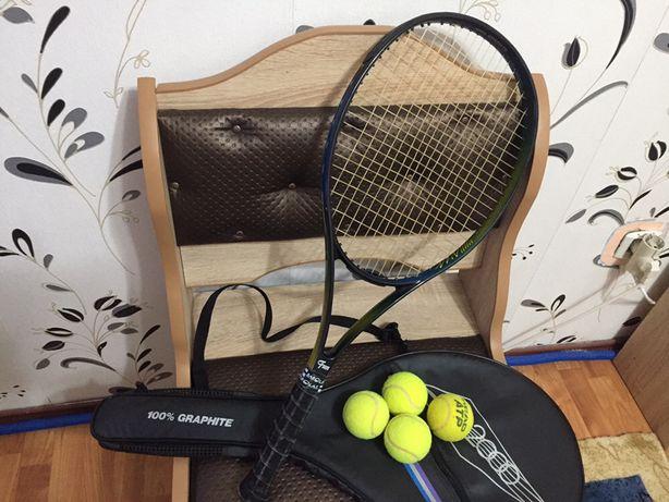 Vând paletă de tenis pentru juniori + 4 mingi gratis