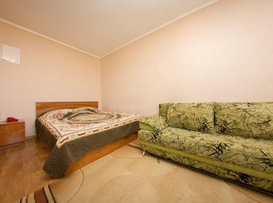 1 Ком. Квартира Посуточно в центре города. ЦОТ. Колхозный рынок. Wi-Fi
