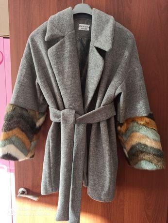 Пальто от казахстанского дизайнера