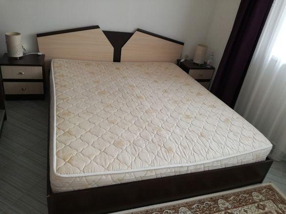 Продавам спалня 198 х 167 см външен размер с матрак 190 х 164 см