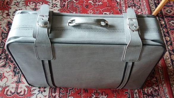Ретро куфар с колелца, перфектен стар vintage винтидж
