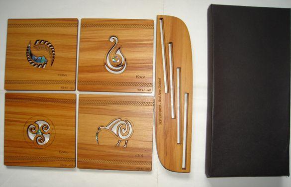Комплект ръчно изработени подложки - новозеландско дърво и морски опал