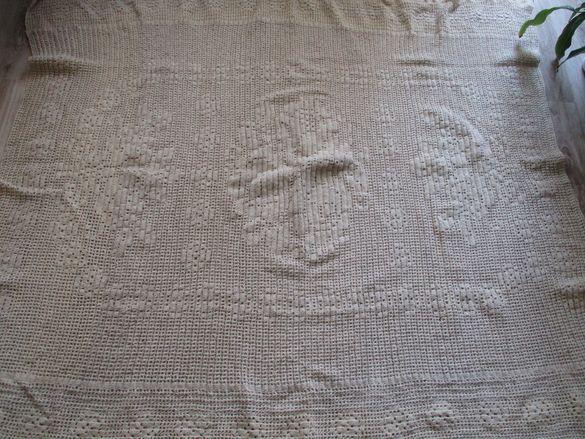 Кувертюра, плетена на една кука