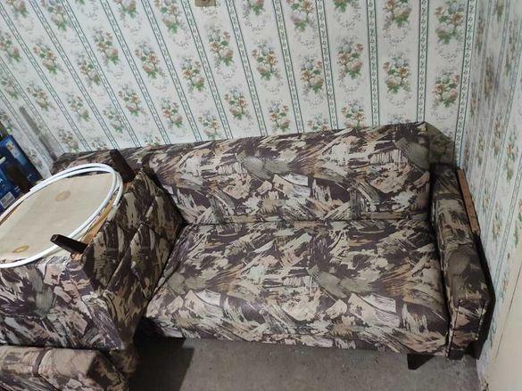 Холна гарнитура комплект: триместен диван + 2 фотьойла + 2 табуретки