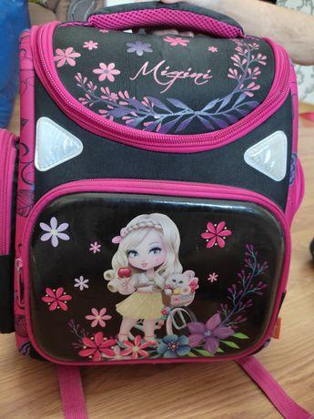 Школьная сумка в отличном состояний