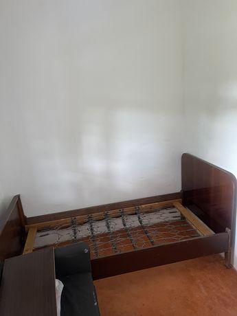 Кровать полуторка с ортопедической сеткой