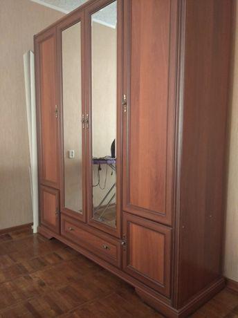 Продам спальный гарнитур Россава
