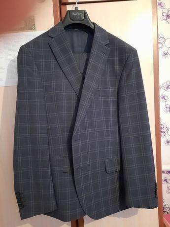 Брендовый мужской костюм и брюки от Valentin Hill