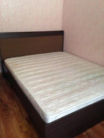 Продам двухспальную кровать