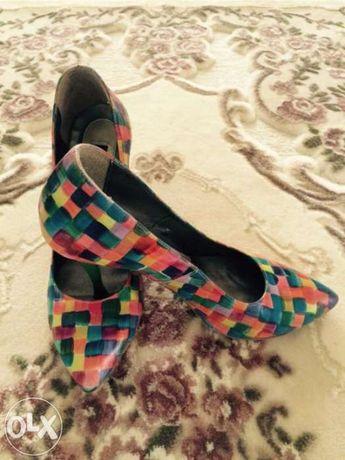 pantofi de piele colorati